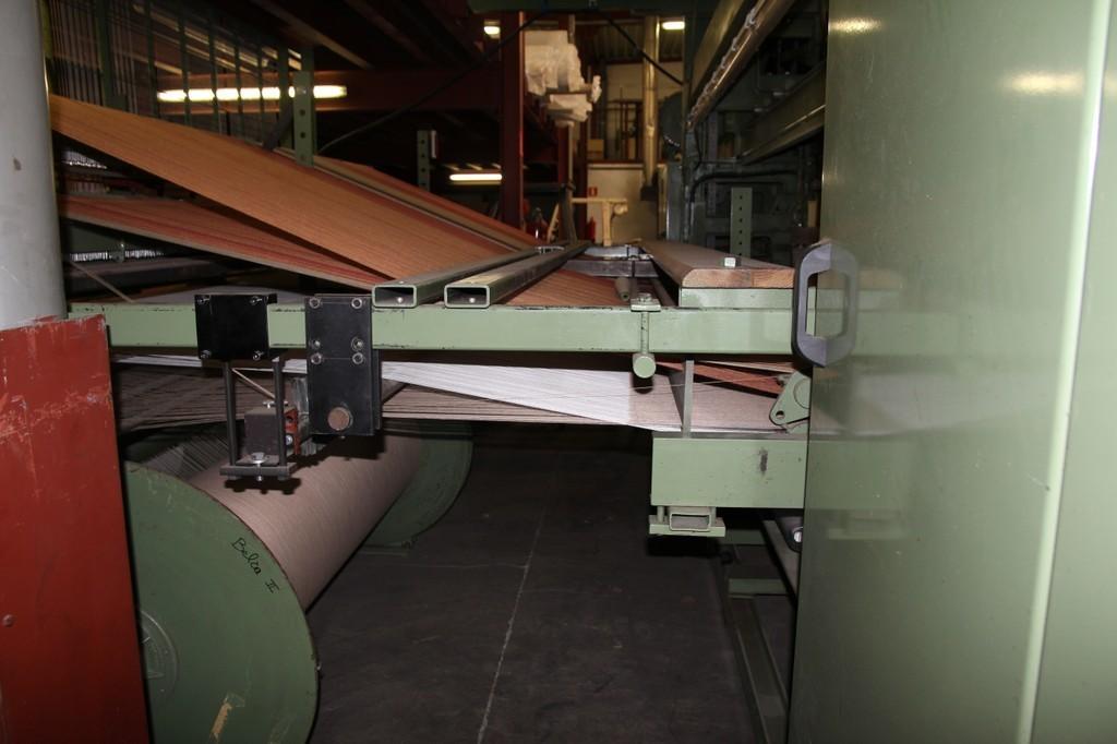 Weefgetouw vlakweef tapijt en technisch textiel.